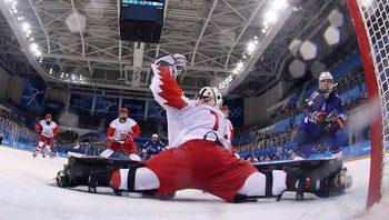 Отборът на САЩ вкара рекордно бърз гол в хокейния мач с рускините
