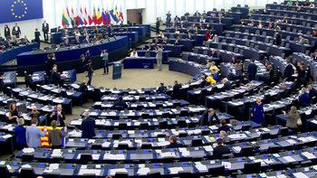 Еврокомисията настоя за по-ясна връзка между националните и европейските партии
