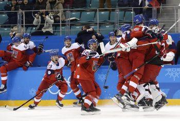 Чехия изхвърли САЩ от хокейния турнир след дузпи, руснаците стигнаха полуфиналите с лекота