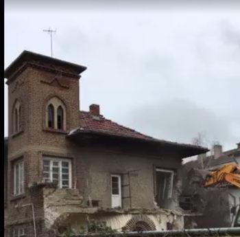 """Съборена е """"Къщата с кулата"""" в столичния квартал """"Лозенец"""""""