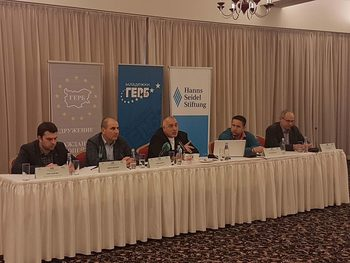 Борисов: Ние като дясна партия трябва да насърчаваме частния бизнес