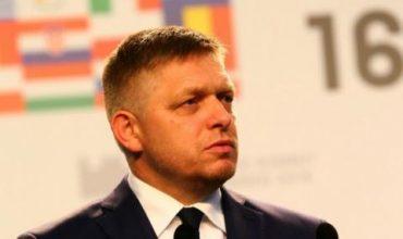 Премиерът на Словакия хвърли оставка