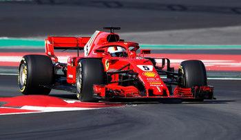 Фетел зададе темпото при подновяването на тестовете във Формула 1