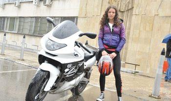 Мотористи получиха урок по първа помощ на пътя от специалисти на ВМА