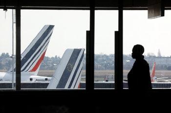 """Франция се готви за """"черен"""" четвъртък заради масови транспортни стачки"""