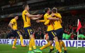 """Мъка за Арсенал в последния европейски мач на Арсен Венгер на """"Емиратс"""""""