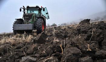 След среща с Борисов фермерите отменят планирания за утре протест