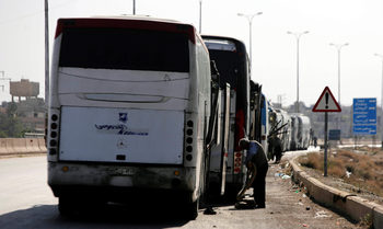 Последните сирийски бунтовници се изтеглят от Източна Гута, обявиха медии на Асад