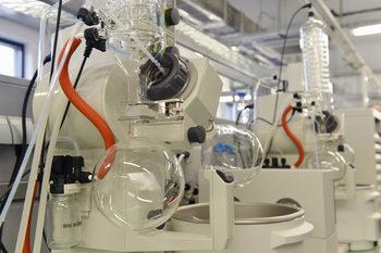 Лаборатории за 121 млн. лв. ще подпомагат бизнеса в медицината, чистите технологии и креативните индустрии