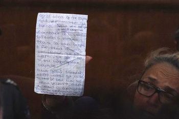 """Адвокатите: Прокуратурата е върнала """"подкупа"""" на основния свидетел срещу Иванчева"""