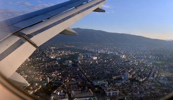 С нови мерки столичното летище намалява шума от самолети в София