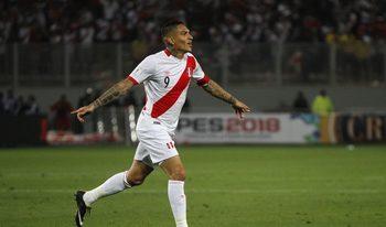 Капитанът на Перу ще пропусне световното заради удължаване на наказанието за допинг
