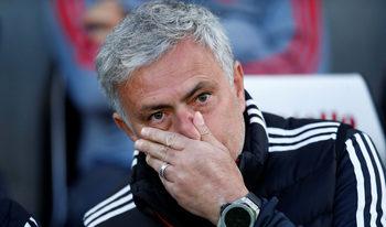 Моуриньо за пореден път се нахвърли върху играчите след загуба
