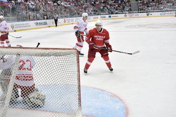 Владимир Путин вкара пет гола в хокеен мач