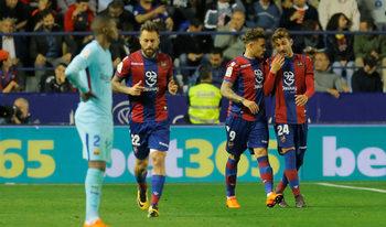 """""""Барселона"""" загуби за пръв път през сезона в мач с девет гола"""