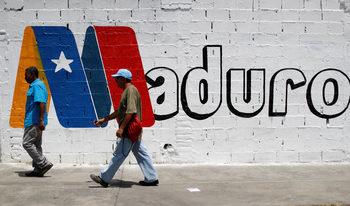 Венецуела затъва в разочарование в навечерието на очакваната победа на Мадуро