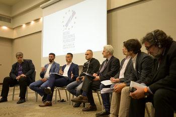 Унищожени местни медии и брутален натиск – журналистиката в Източна и Централна Европа