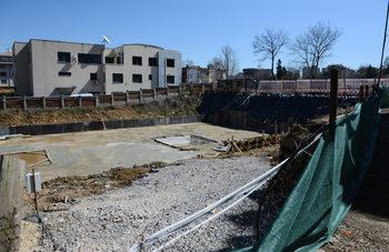 Узаконяване на незаконни сгради и по-лесно събаряне на павилиони, предвижда законопроект