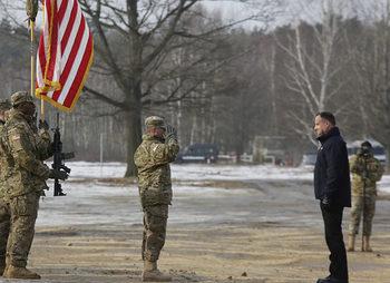 Полша предложи до 2 млрд. долара за постоянна база на САЩ