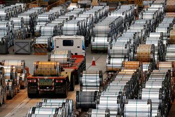 Китай заобикаля американските мита върху вноса на стомана