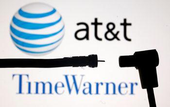 AT&T приключва придобиването на Time Warner за 85 млрд. долара