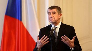 Защитата на границите трябва да е в ръцете на отделните държави, каза чешкият премиер