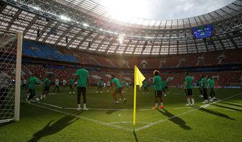 Световното, Русия и феновете: време е за футбол