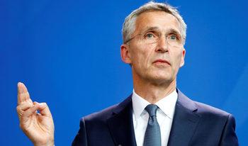 Защитете НАТО от разпадане, призова генералният секретар Столтенберг