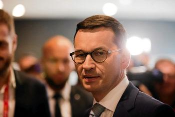 Полша се вижда като възможен посредник в споровете между ЕС и САЩ