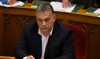 Евродепутати поискаха да се задейства процедура, която може да лиши Унгария от глас в ЕС