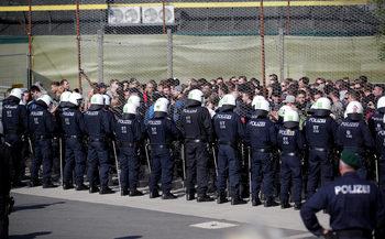 Стотици полицаи в Австрия участваха в учение за отблъскване на мигранти по границата