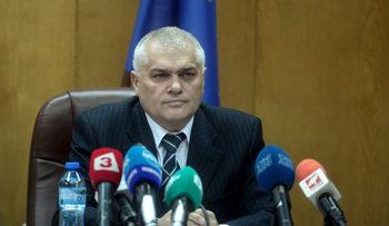 Вътрешният министър увери, че намаляват отклонилите се затворници