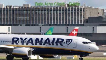 По-високите разходи за заплати понижиха печалбата на Ryanair