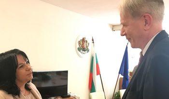 """Петкова обсъди в с френския посланик бъдещето на проекта за АЕЦ """"Белене"""""""