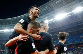 Хърватия продължи футболната си мечта и след нов епичен мач е на финал на световното