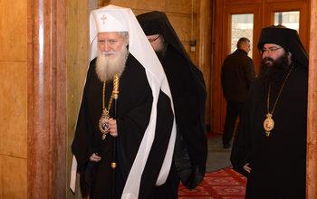 Св. Синод няма списък на служителите си, за да ги провери Комисията по досиетата