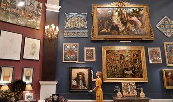 Фотогалерия: За 70-тия си рожден ден принц Чарлс подреди изложба в Бъкингам