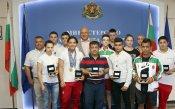 Кралев награди медалистите от Европейското по вдигане на тежести за юноши и девойки