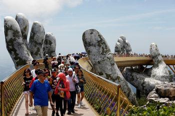 """Фотогалерия: """"Златният мост"""" на Виетнам"""