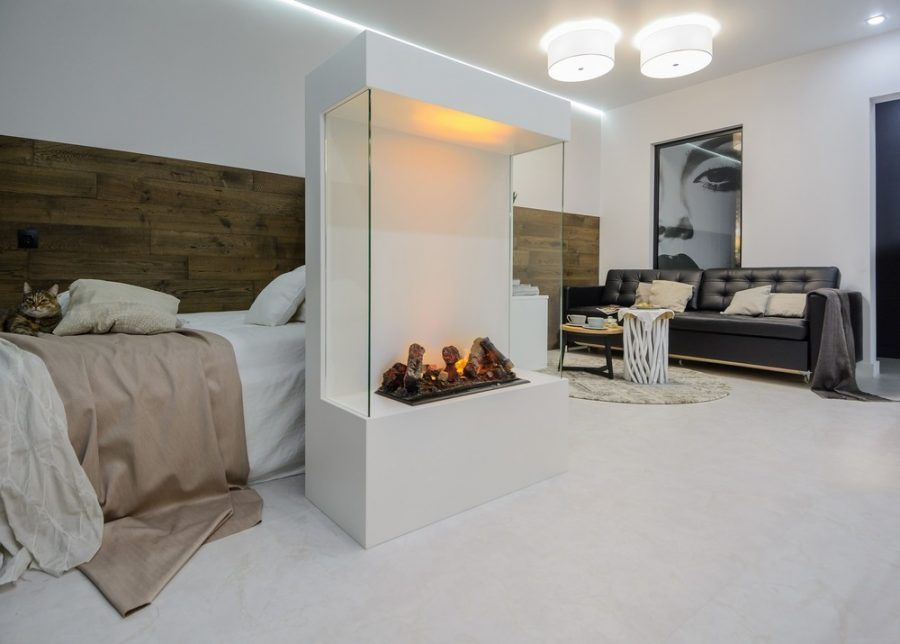 Малко студио превърнато в практичен и уютен дом в бяло