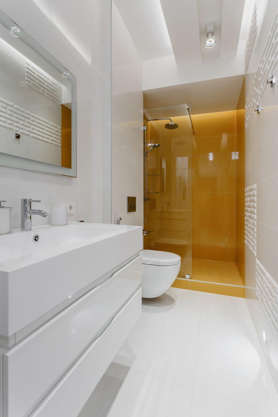 Модерен интериор на просторен апартамент в Санкт Петербург