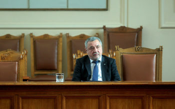 НФСБ ще гласува против смяната на тримата министри