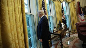 Тръмп продължи с още една година извънредното положение в САЩ