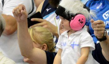 Снимка на деня: С волейболната страст още от детска възраст