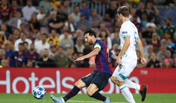 """С хеттрик Лионел Меси даде мечтано начало на """"Барселона"""" в Шампионската лига"""