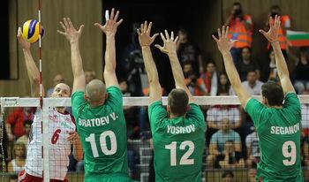 Българските волейболисти се хвърлиха, но загубиха от Полша и усложниха пътя си на световното