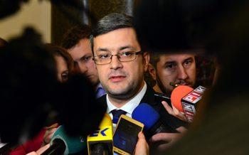 ГЕРБ покани Нинова да стане индивидуален член на ЕНП, за да подкрепи Орбан
