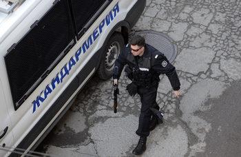 В ромската махала в Русе има засилено полицейско присъствие, след като в нея нахлуха мотористи
