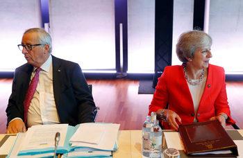 Британците сякаш си мислят, че ЕС напуска Великобритания, заяви Юнкер