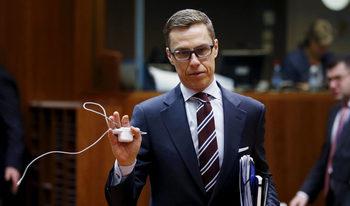 Бившият финландски премиер Александър Стуб обяви кандидатурата си за наследник на Юнкер
